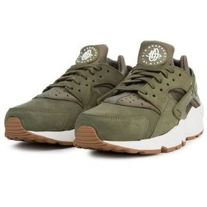 Poor Used Condition Men's Nike Air Huaraches